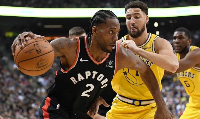 Los Golden State Warriors quieren frenar a Kawhi Leonard y los Toronto Raptors.