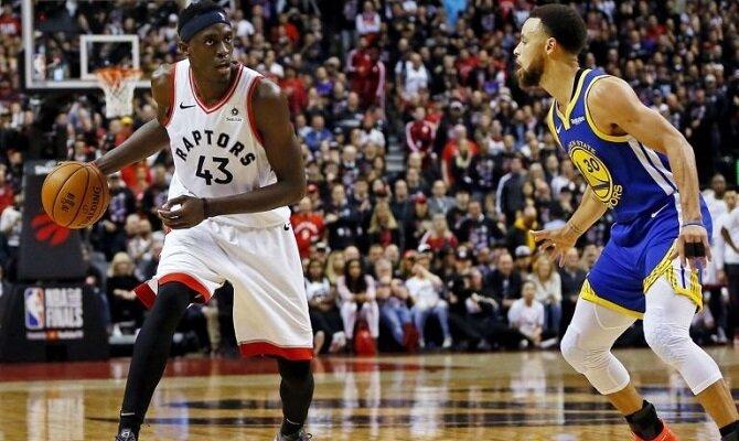 Pascal Siakam y los Toronto Raptors van por su segundo triunfo ante los Golden State Warriors.