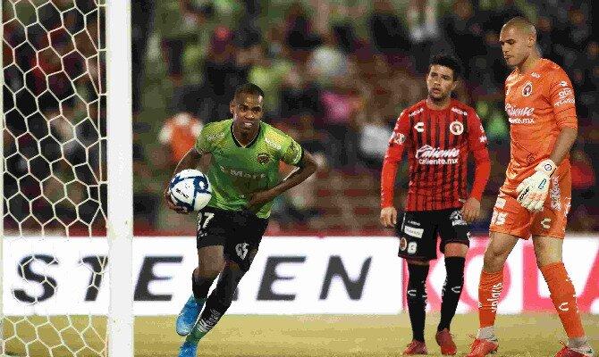 Club Tijuana vs Monterrey