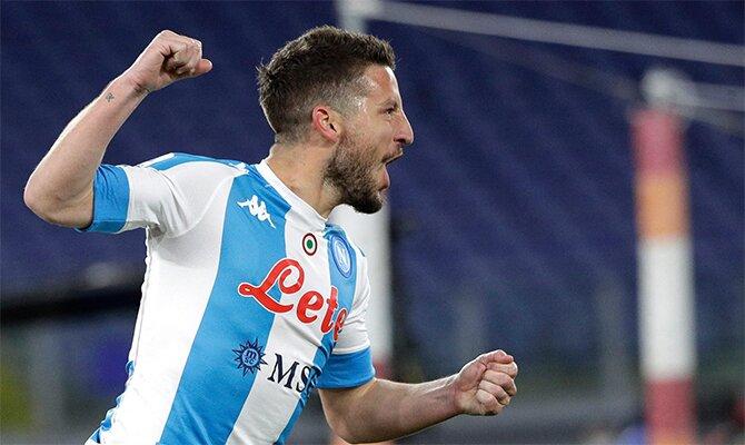 Revisa las cuotas del Napoli vs Lazio y celebra tus aciertos como el jugador de la imagen