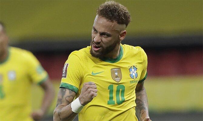 Neymar celebra un gol con rabia con la Canarinha. Revisa las cuotas y picks del Paraguay vs Brasil.