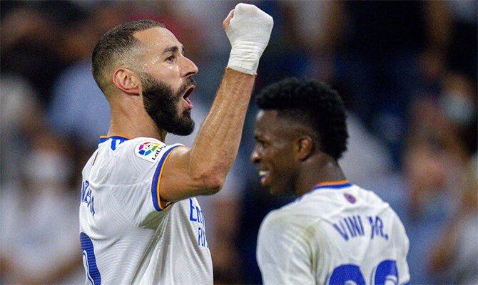 Benzema celebra un gol anotado con los Blancos. Cuotas y pronósticos Inter de Milán vs Real Madrid.