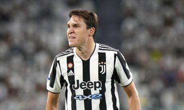 Federico Chiesa se muestra enfadado en la imagen. Cuotas y pronósticos Juventus vs Milan, Serie A.