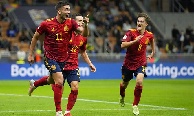 Ferrán Torres celebra un gol en la imagen. Cuotas de la Liga de Naciones en el España Vs Francia.